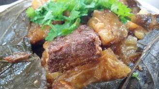 pork cheeks with fish maw and chestnuts
