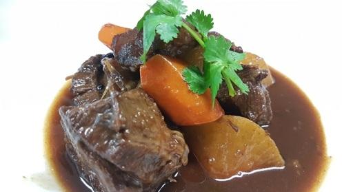 Braised Beef Cheeks with Radish