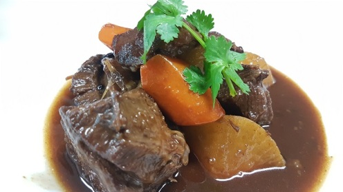 Braised Beef Cheeks with Radish