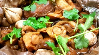 Steam Pork Cheeks with Fish Maw