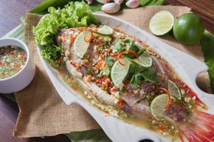 R00633_Thai-Steamed-Fish-with-Chilli-and-Lime